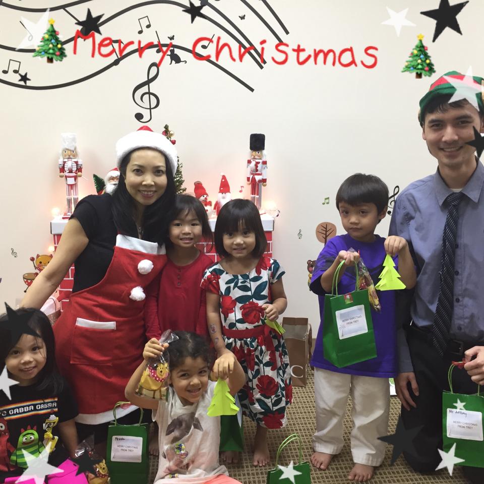 ☆★Merry Christmas from Nobu Sakurai Piano Studios☆★